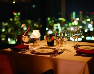大阪のサプライズプロポーズ ホテル・オークラ神戸 レストランエメラルド