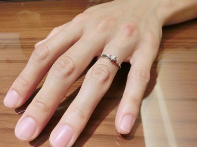 広くて、沢山の指輪の中から選べて良かったです。
