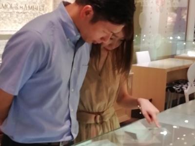 シェールラブの婚約指輪とフィッシャーFISHERとパイロットPilotの結婚指輪をご成約頂きました(大阪市天王寺区)