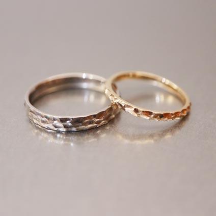 槌目デザインの手作り結婚指輪