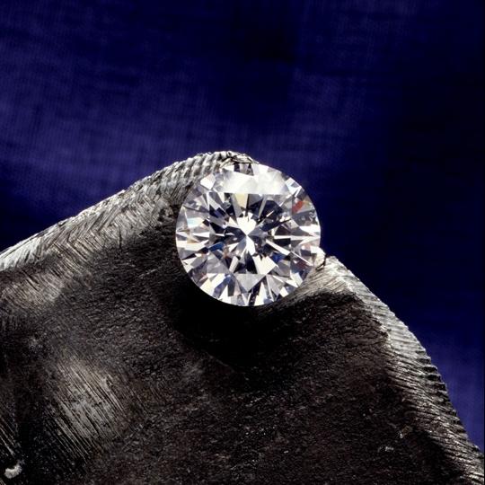 プロポーズで人気のダイヤモンドDNA