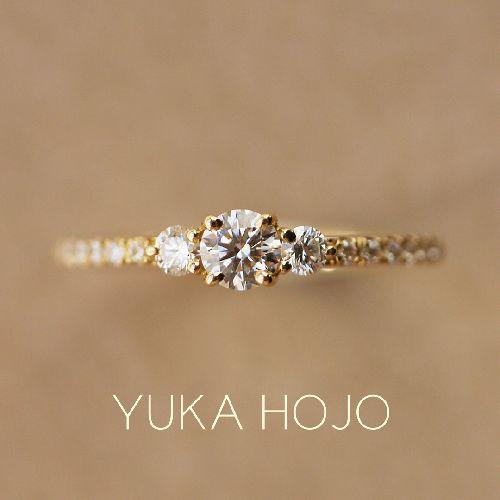 ユカホウジョウの婚約指輪のコメット