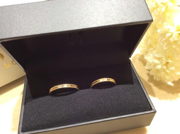 SO(ソウ)のカラーストーンの結婚指輪のgarden心斎橋