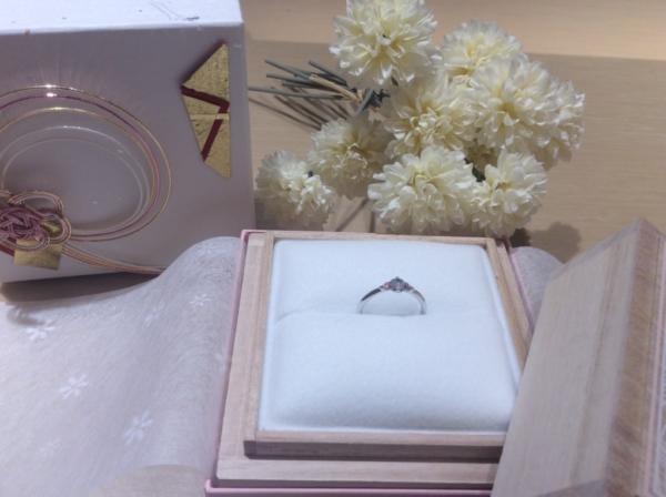 Milk&Strawberry(ミルク&ストロベリー)のピンクダイヤの婚約指輪