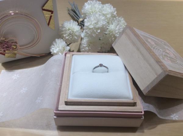 【大阪】Something Blue Aitherの婚約指輪