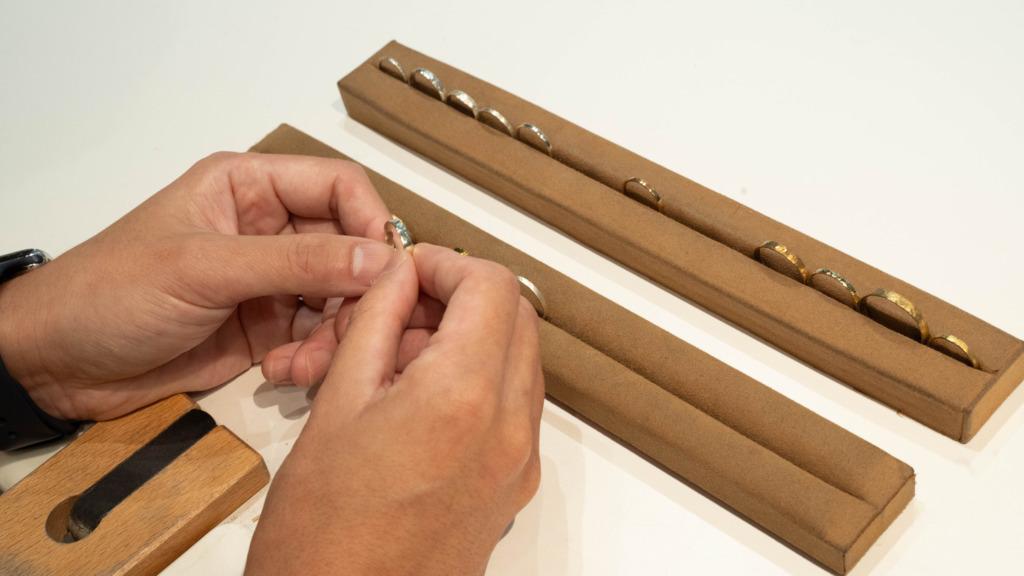 手作り婚約指輪の素材選び