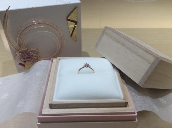 Lapage(ラパージュ)の婚約指輪