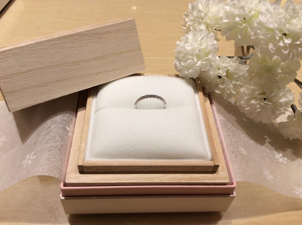 和歌山からご来店のお客様でGRACE KAMA(グレースカーマ)のエタニティ婚約指輪の人