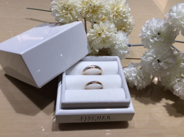 FISCHER(フィッシャー)の鍛造の結婚指輪