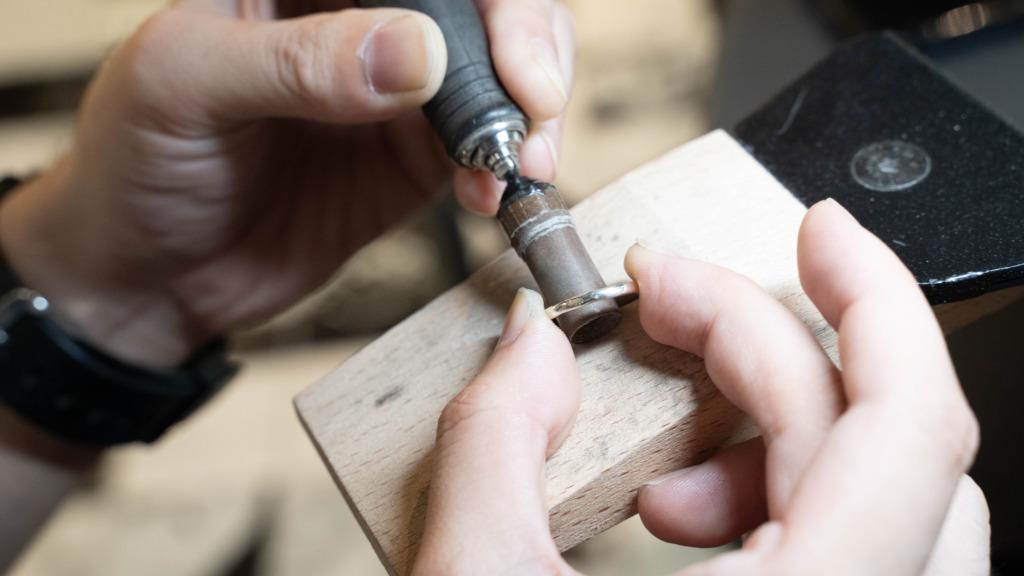 手作り婚約指輪の様子2