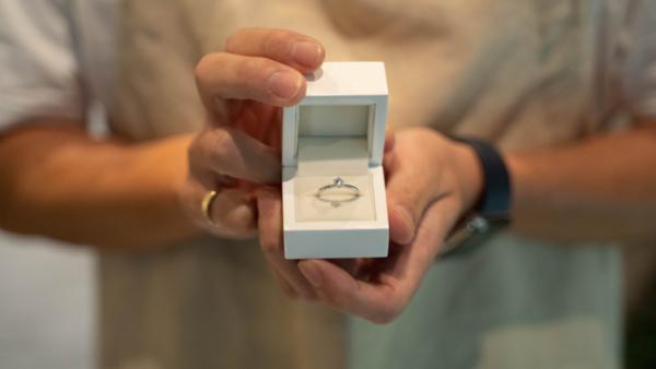 手作り婚約指輪の納品