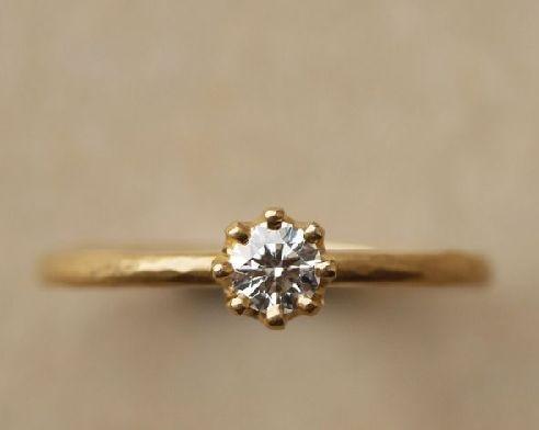 手作り婚約指輪の槌目のイメージ