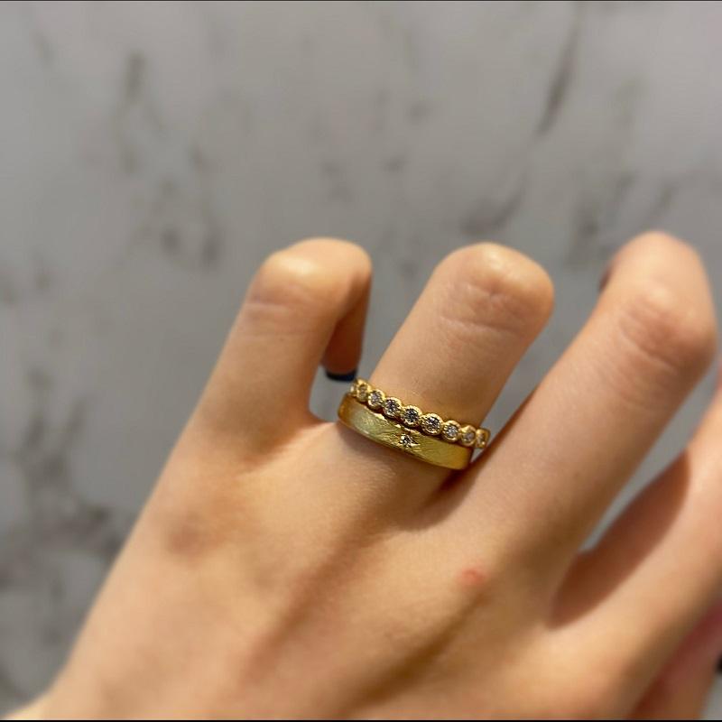 YUKA HOJOの婚約指輪・結婚指輪重ねづけ