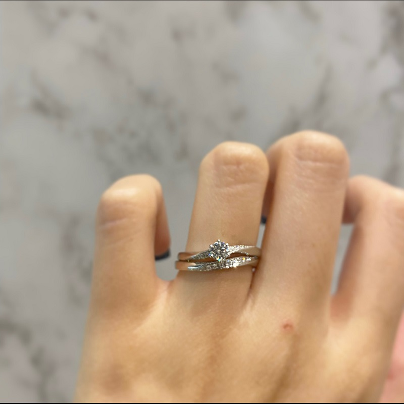 RosettE(ロゼット)の婚約指輪と結婚指輪の重ね付け